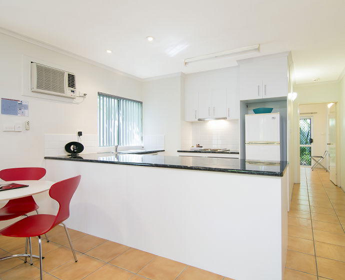 Port Douglas Outrigger Holiday Apartments Interior 11